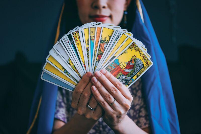 元カノとの復縁占いに使われる代表的な占術をご紹介